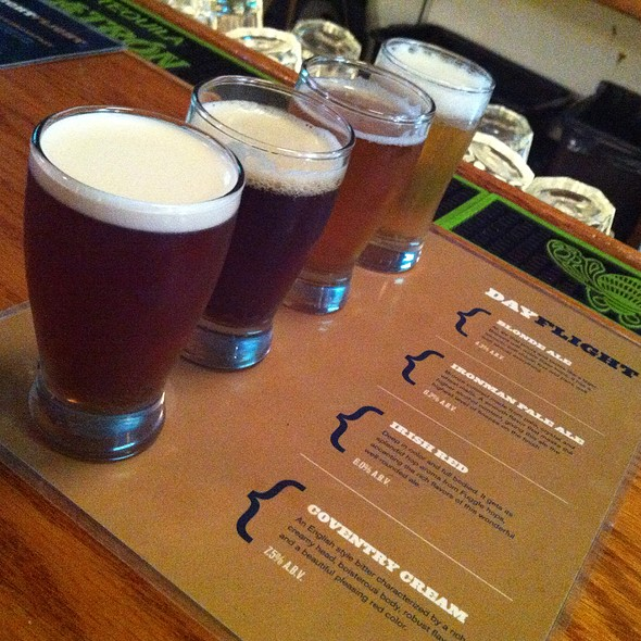 Day Flight - Pratt Street Ale House, Baltimore, MD