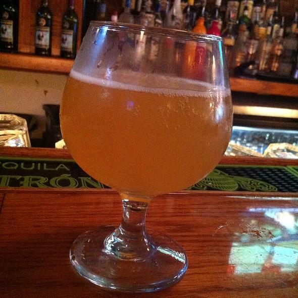 Longtrail Belgian White  - Pratt Street Ale House, Baltimore, MD