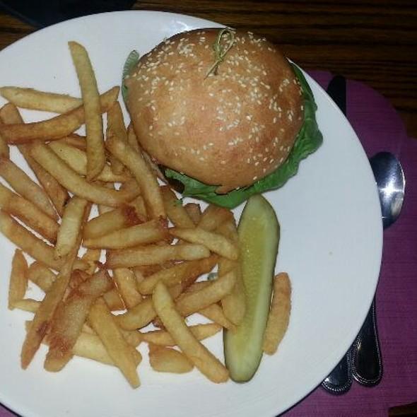 Burger - Dan'l Webster Inn, Sandwich, MA