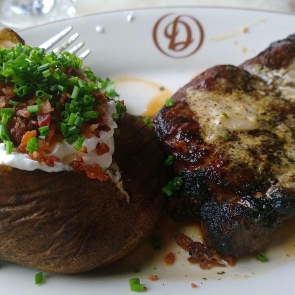Ribeye Steak - Daniel's Broiler - Bellevue, Bellevue, WA