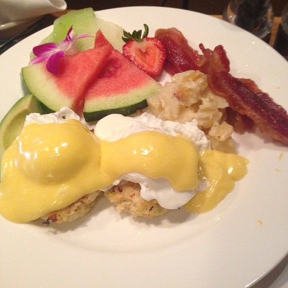 Crab Cake Benedict - Dusty's Wine Bar, Okemos, MI
