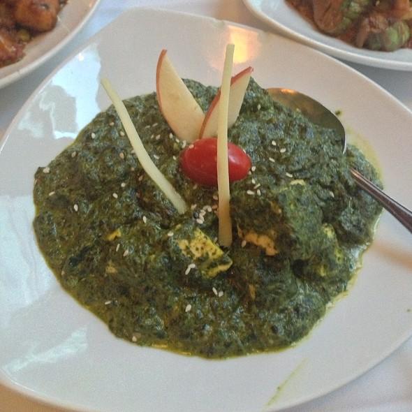 Saag Paneer - 309 Dhaba Indian Excellence, Toronto, ON