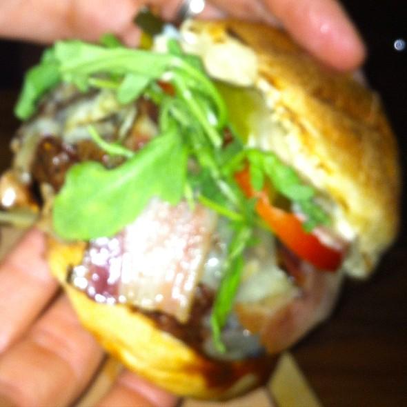 Burger - Grinder, Montréal, QC