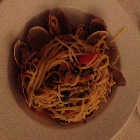 Fresh Clam Spaghetti With Garlic White Wine - Il Gattopardo, New York, NY