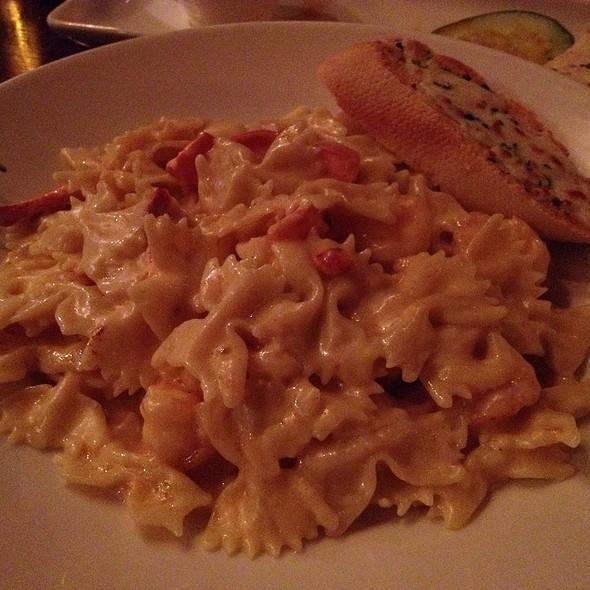 Lobster And Shrimp Mac And Ch - Gordon Biersch Brewery Restaurant - Midtown, Atlanta, GA