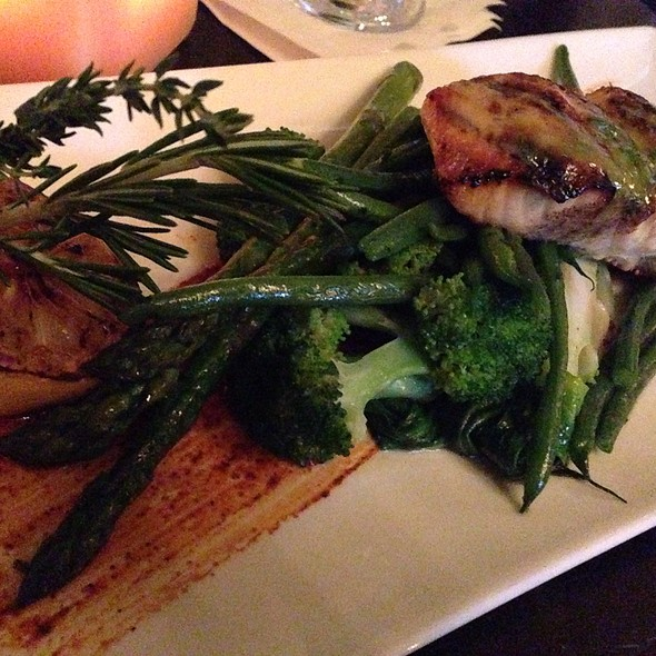 Grilled Salmon With Vegetables - Victoria's Restaurant @ The King Edward Hotel, Toronto, ON