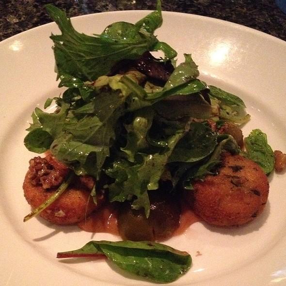 Go(At) Fig(Ure) Salad - Raglan Road Irish Pub, Lake Buena Vista, FL