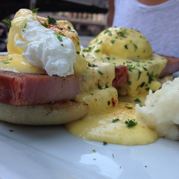 Eggs Benedict - Bridge House Tavern, Chicago, IL