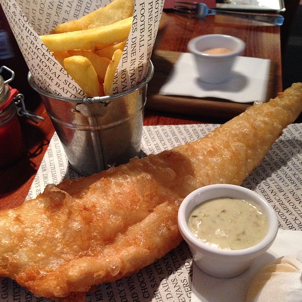 Fish and Chips - Sports Bar & Grill Victoria, London