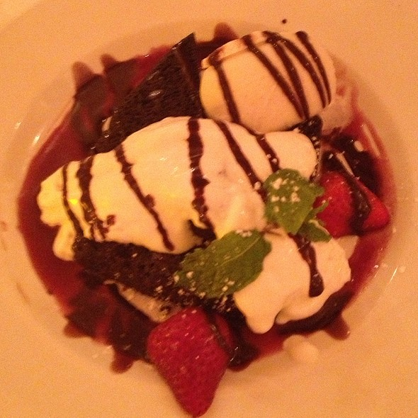 Espresso Cake With Vanilla Gelato - Rosie's Bistro Italiano, Bronxville, NY