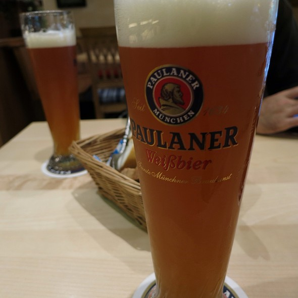 Paulaner Hefe-Weissbier - Paulaner am Dom Frankfurt, Frankfurt am Main, HE