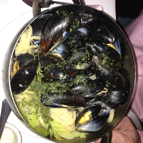 Snob Mussels - Mannequin Pis, Olney, MD