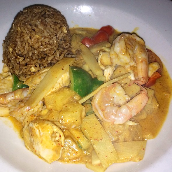 Thai Chicken and Shrimp - Mai-Kai Restaurant, Fort Lauderdale, FL