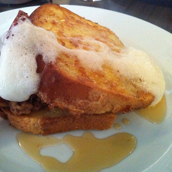 Brioche French Toast With Beer Foam And Maple Syrup - Restaurant EVOO, Montréal, QC