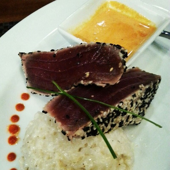 Seared Ahi Tuna - GrillMarX Steakhouse & Raw Bar, Olney, MD
