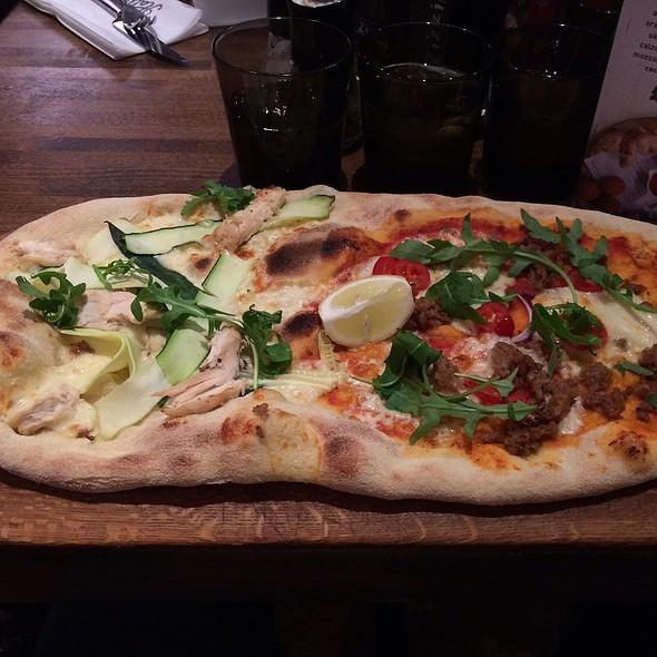 Mare E Monti Rustica Pizza - Zizzi - Brighton, Brighton, East Sussex