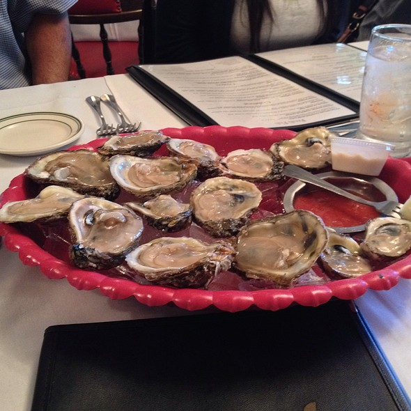 raw oysters - Poor Boy's Riverside Inn, Broussard, LA