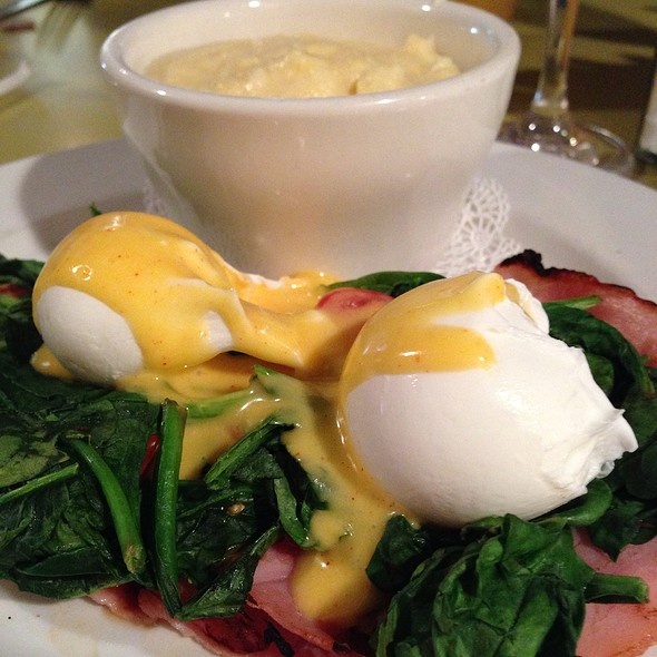 Dream Eggs Benedict - Dream Cafe, Dallas, TX