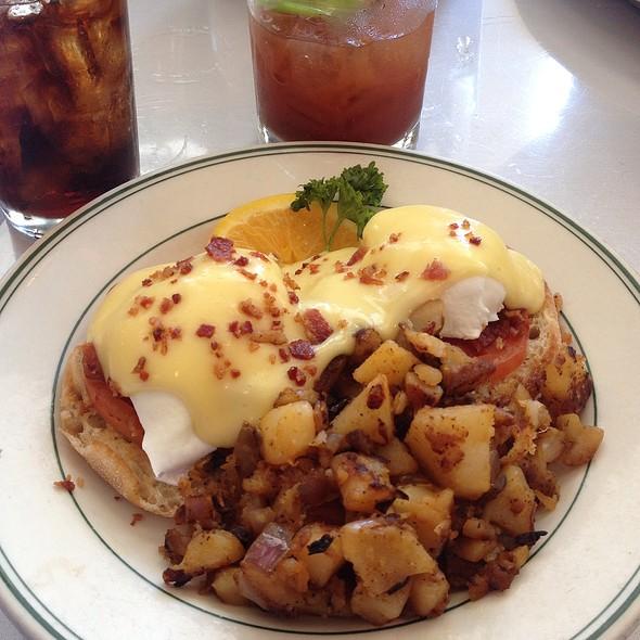 Eggs Blackstone - Mac's Bar & Grill, Arlington, TX