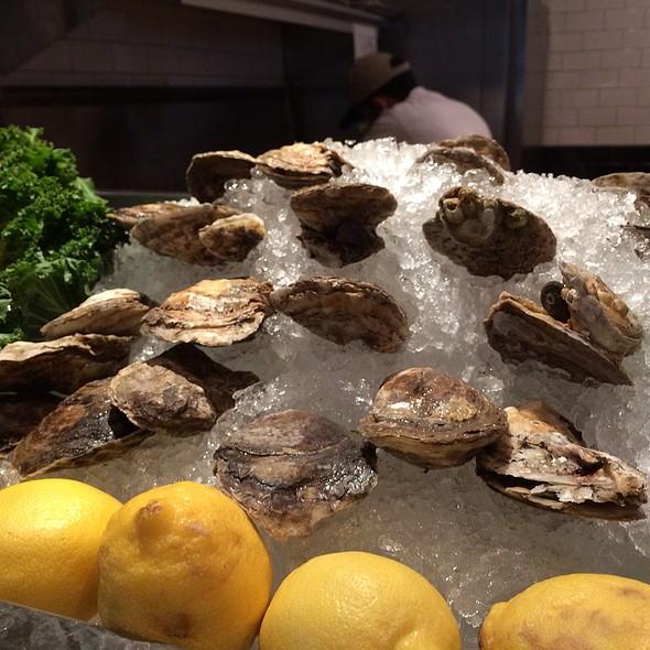 Fresh Oysters - Mitchell's Fish Market - Tampa, Tampa, FL