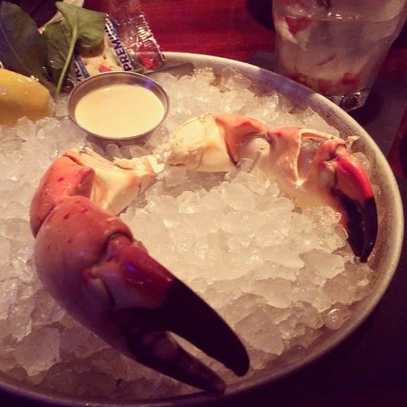 1/2 Pound Of Stone Crab - Mitchell's Fish Market - Tampa, Tampa, FL