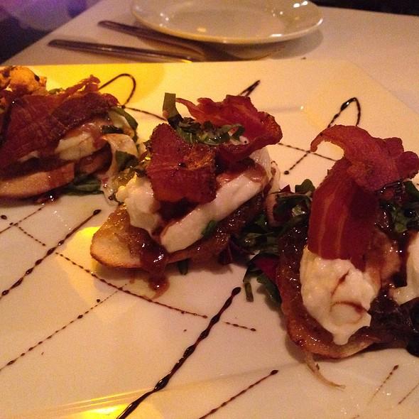 Crostini Con Burrata - Il Cortile Ristorante, Paso Robles, CA