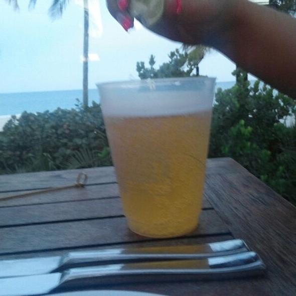 Corona - La Côte - Fontainebleau Miami Beach, Miami Beach, FL