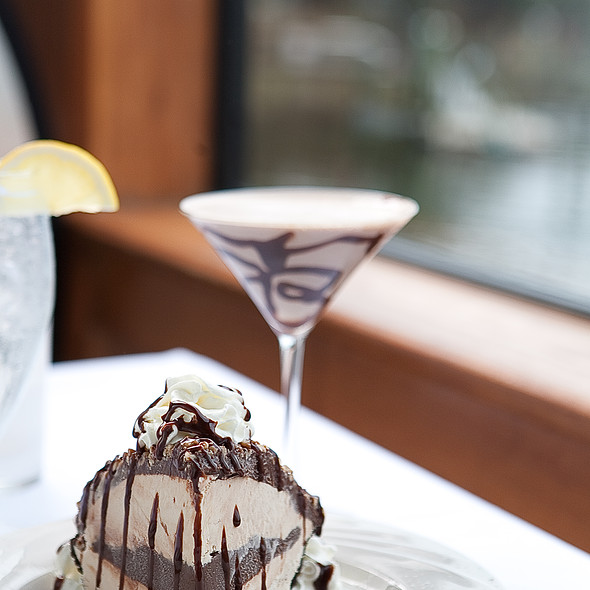 Chocolate Mud Pie & Chocolate Martini - Pearl's Saltwater Grille, Savannah, GA