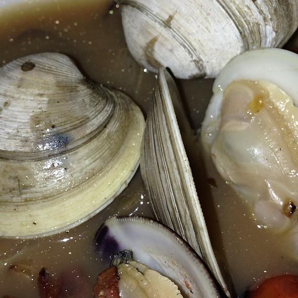 Clams with focaccia bread - Bridges Restaurant - MD, Grasonville, MD