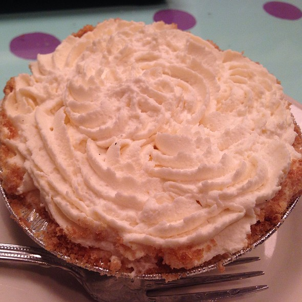 Banana Cream Pie - Kitchenette - Uptown, New York, NY