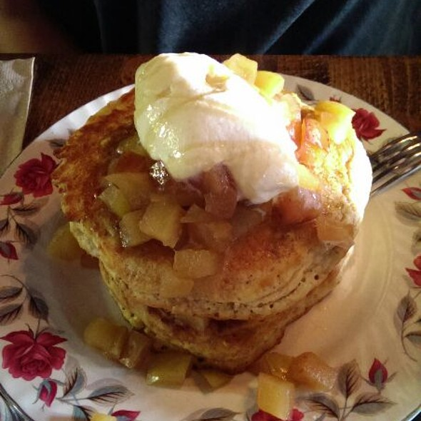 Sugar Shack Pancakes - FARMHOUSE Tavern, Toronto, ON