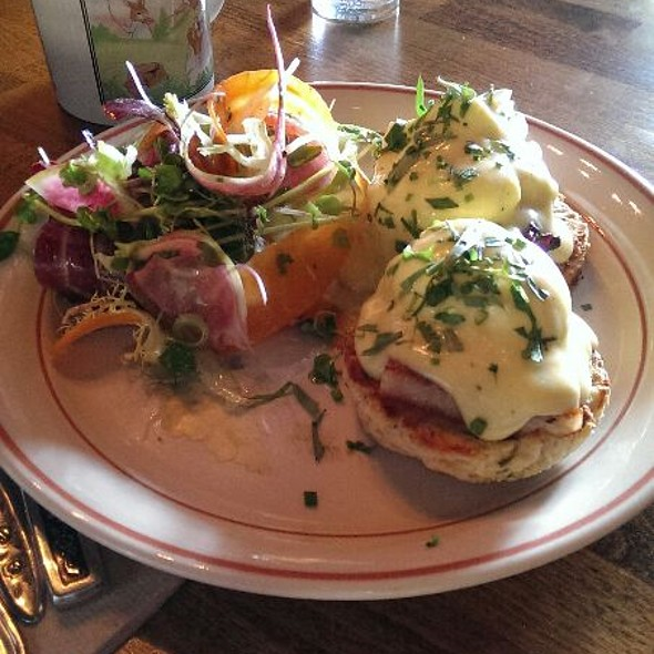 Eggbenny - FARMHOUSE Tavern, Toronto, ON