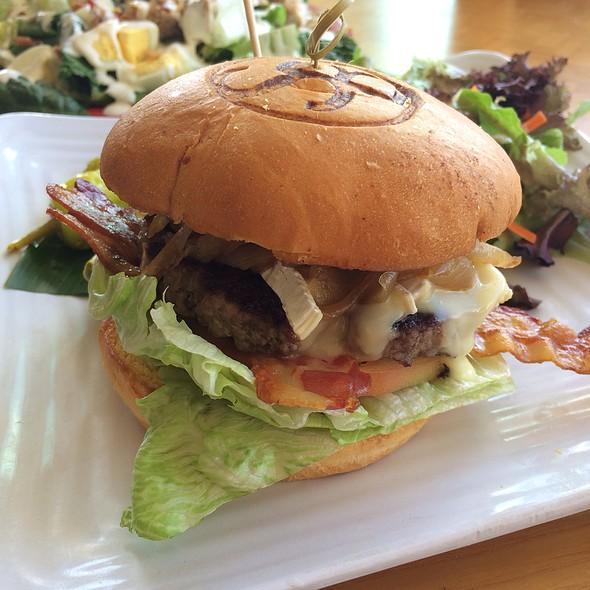 Bistro Burger - Shore Bird Restaurant & Beach Bar, Honolulu, HI