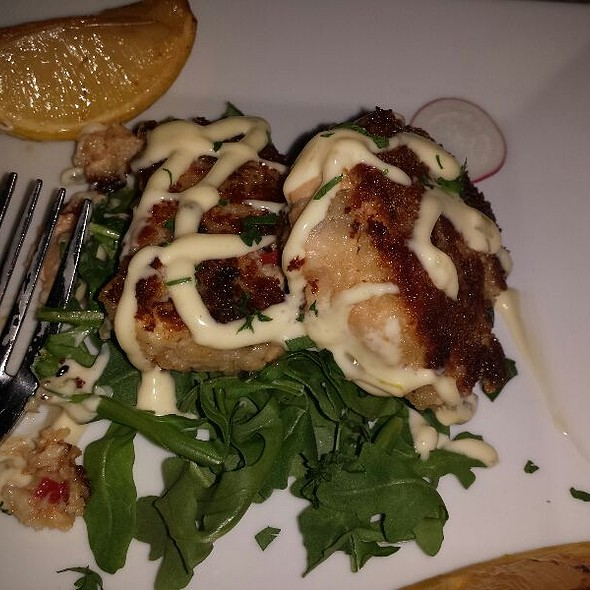 Salmon & Sea Scallop Cakes - Honu Kitchen and Cocktails, Huntington, NY