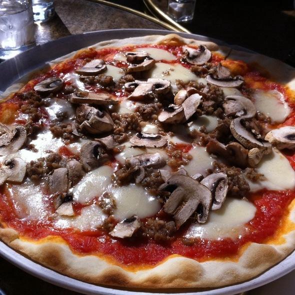 Pizza Del Oste - Mediterraneo, New York, NY