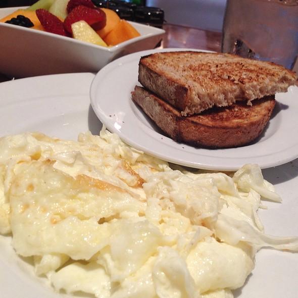 Egg Whites, Whole Weat Toast & Fruit Bowl - Nix / Martini Bar - Knickerbocker Hotel, Chicago, IL