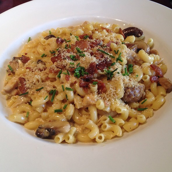 Macaroni and Cheese - Zov's Bistro Tustin, Tustin, CA