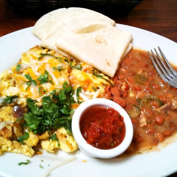 migas - Hyde Park Bar & Grill - Duval, Austin, TX