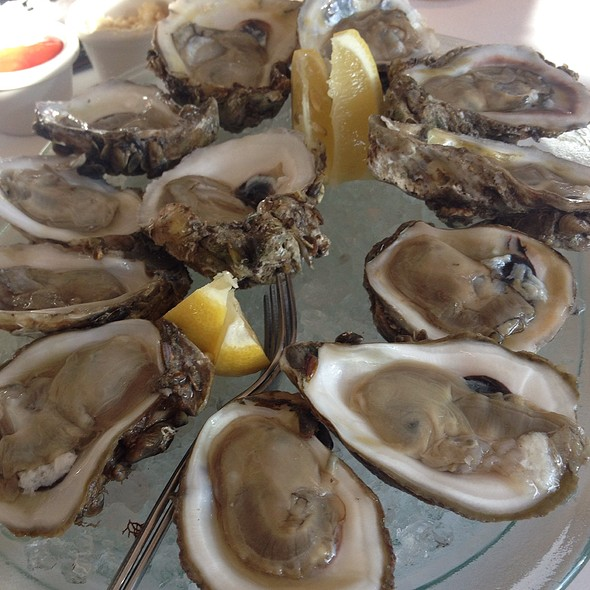 raw oysters - Landry's Seafood House - New Orleans, New Orleans, LA