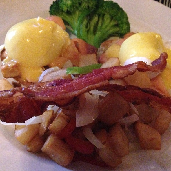 Sunday Brunch Eggs Benedict With An Extra Rasher Of Bacon - James Joyce Irish Pub and Restaurant, Baltimore, MD
