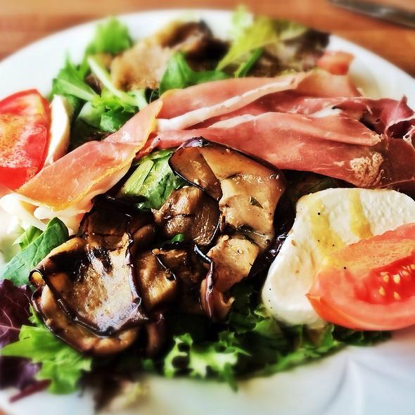 italian salad - Graziano's Brickell, Miami, FL