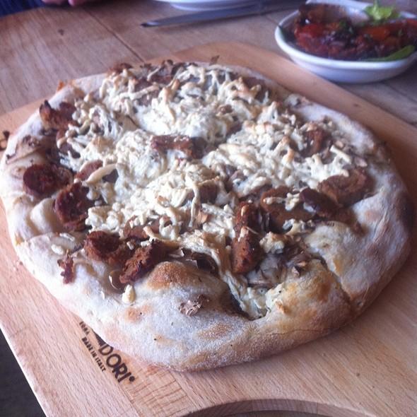 Funghi e Salsiccia Pizza - Pala, New York, NY