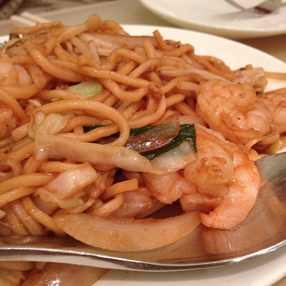 Shrimp Chow Mein With Hand Pulled Noodles - Beijing Noodle No. 9 - Caesars Palace Las Vegas, Las Vegas, NV