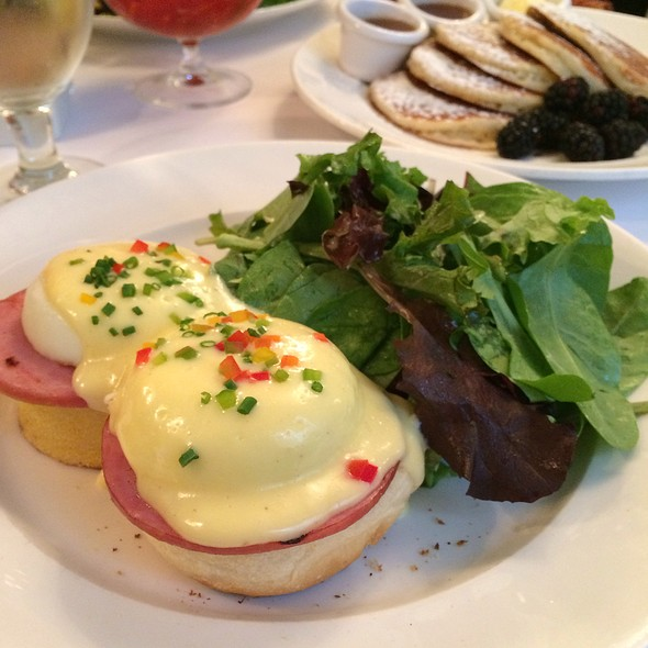 Eggs Benedict - Sarabeth's Central Park South, New York, NY