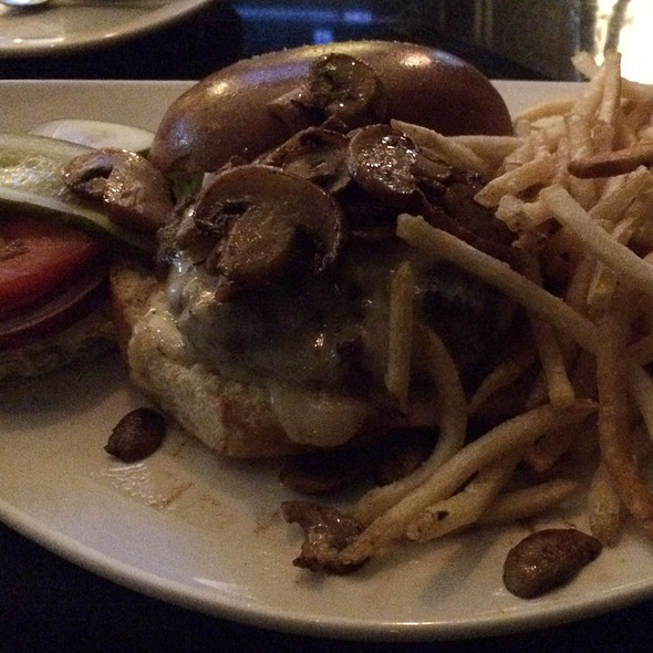 Mortons 'Prime Burger' - Morton's The Steakhouse - Midtown Manhattan, New York, NY