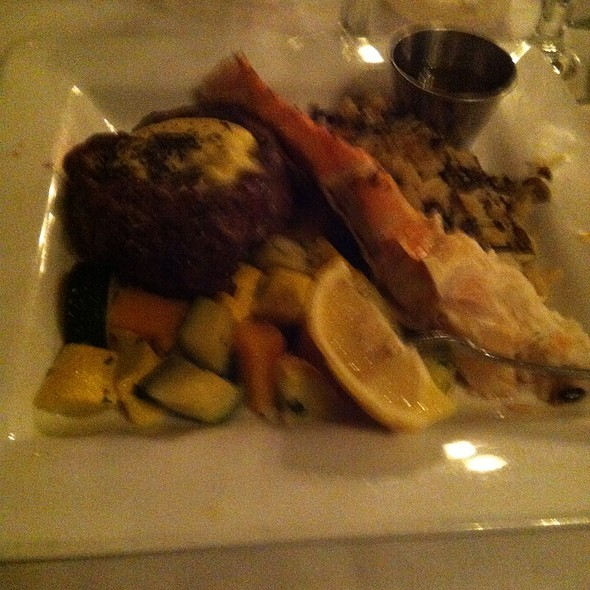Fillet And Crab Leg - Rapscallion Seafood House & Bar, Reno, NV