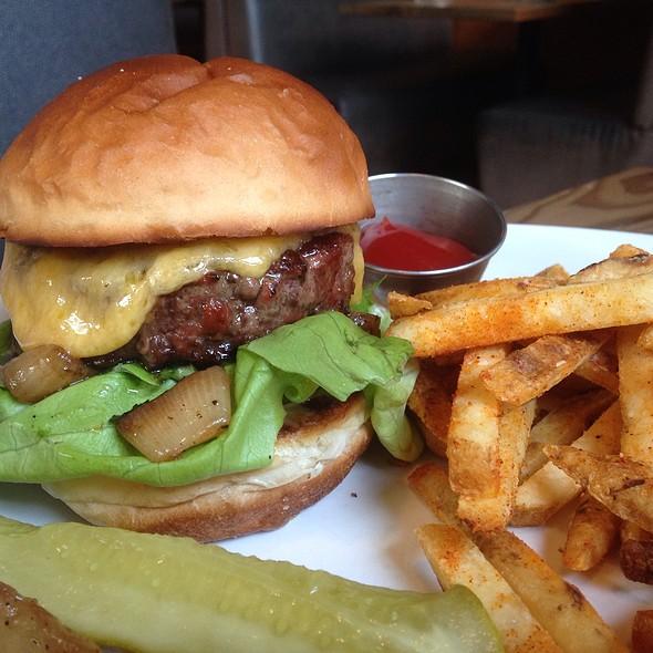 Burger - Lapellah Restaurant, Vancouver, WA