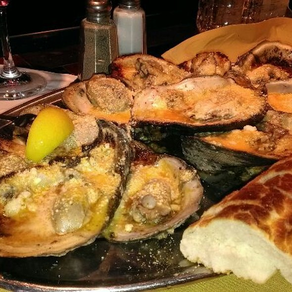 Chargrilled Oysters - Mansurs On the Boulevard, Baton Rouge, LA