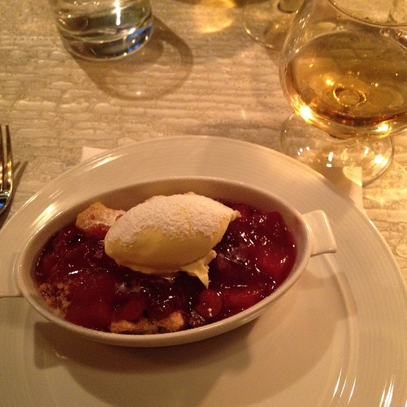 Raspberry Crumble With Cream - Tuttons, London