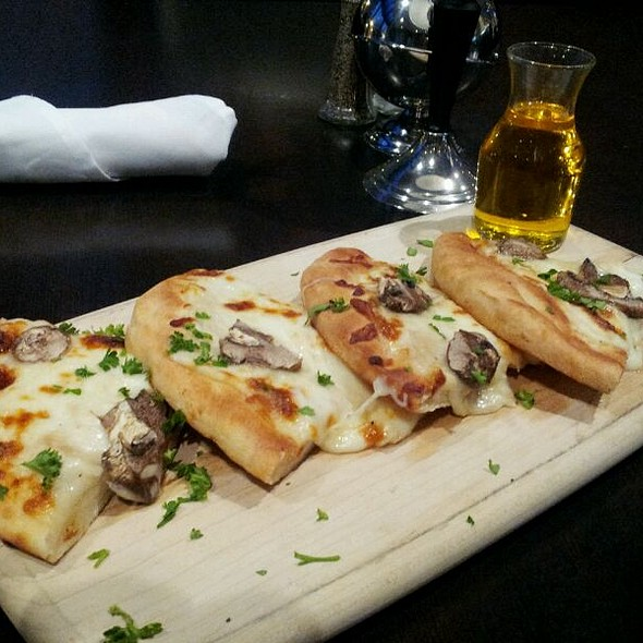 Truffle Pizza - Balto Tavern & Tap - Sheraton Baltimore City Center, Baltimore, MD